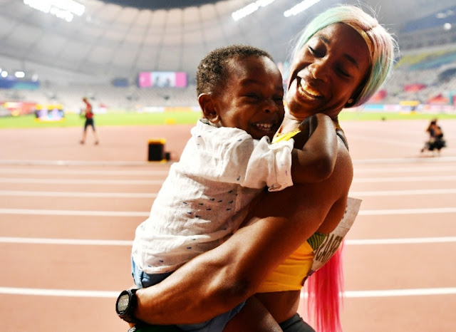 How many gold medals does Shelly Ann Fraser Pryce have?, How many gold medals does Shelly Ann Fraser Pryce have?, World Athletics Championships: Jamaica's Shelly-Ann Fraser-Pryce wins 4 gold in 100 meters,