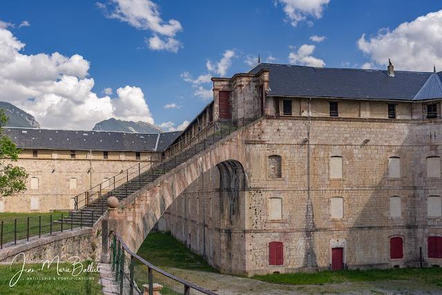 Caserne Rochambeau (place forte de Mont-Dauphin)