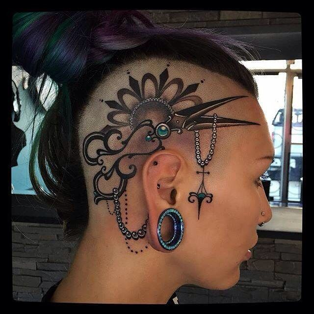 tatuajes en la cabeza para mujer