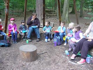 Mittagspause im Waldkindergarten