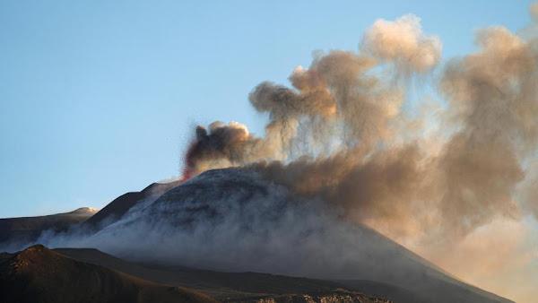 Les volcans Etna et Stromboli tous deux en éruption en Italie: aucune victime n'est à déplorer