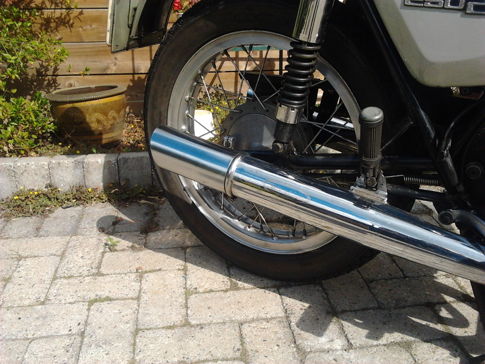 Caferacers RnR And More Stuff I Like: Augustus 2013
