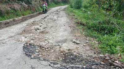 Jalan Muaro Tambangan Pasaman Rusak