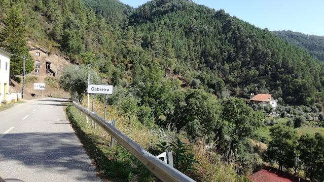 Placa localidade de Cabreira
