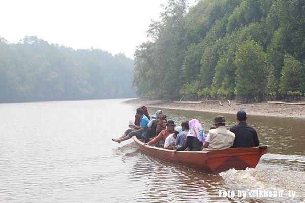Pantai Dabong di Pulau Dabong kecamatan kubu,kabupaten kubu raya