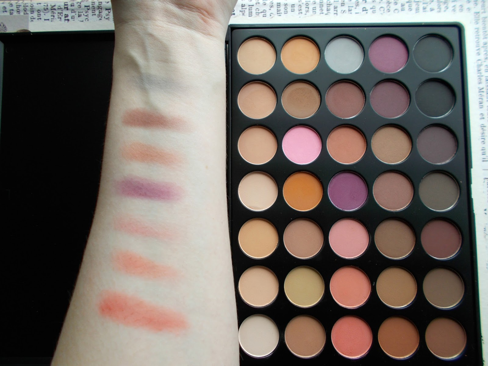 Morphe Brushes BeautyBay review 35N colour matte palette 3rd row swatches