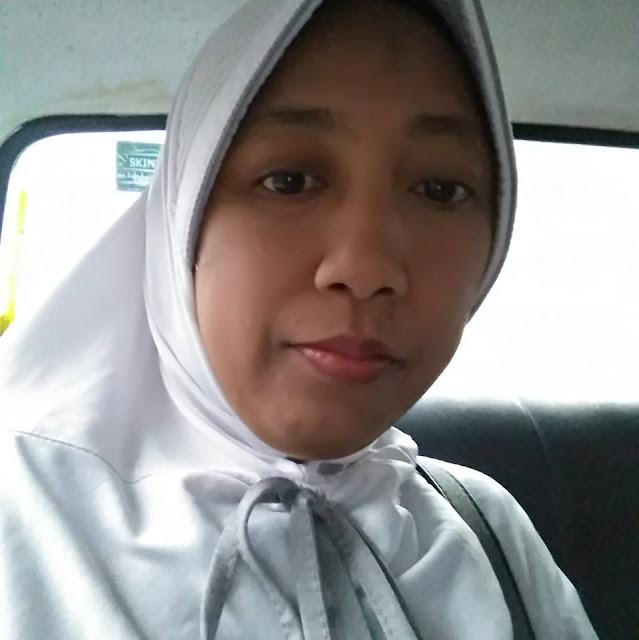 Dewi Sri Seorang Gadis, Beragama Islam, Suku Jawa, Di Kota Surabaya, Provinsi Jawa Timur Mencari Jodoh Pasangan Pria Untuk Dijadikan Sebagai Calon Suami