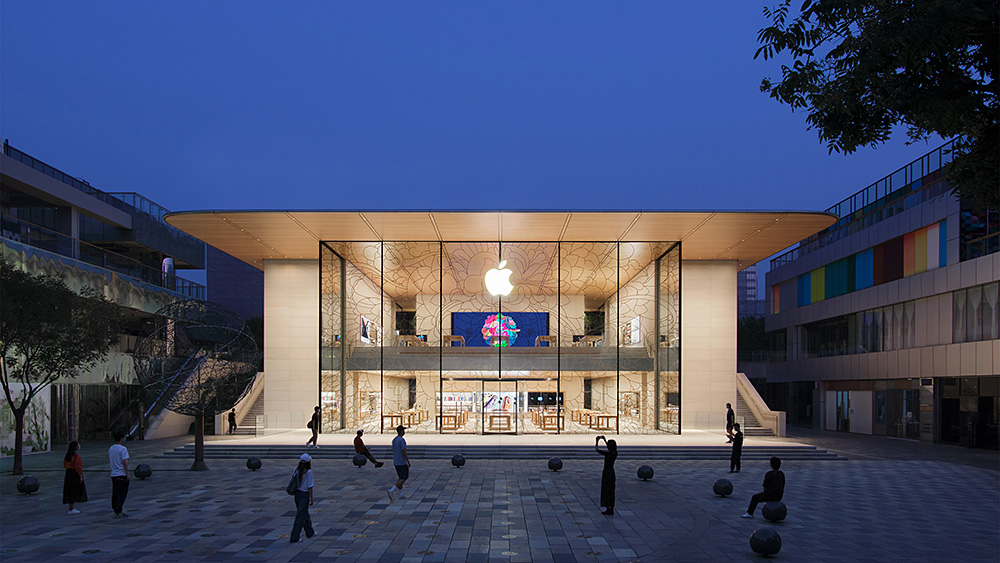 全新 Apple 三里屯開幕:店大一倍,用 100% 再生能源