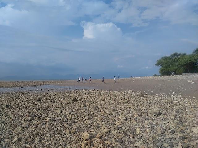 Pantai Manikin, Pantai Lasiana dan Pantai Batu Nona