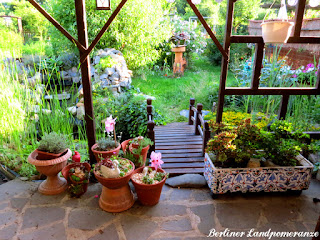 Terrasse - Blick in den Garten