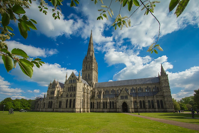 Picture of Salisbury Cathedral Wiltshire Top 10 Gardening blogs