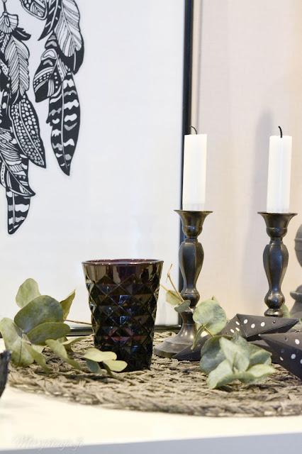 sisustus skandinaavinen detail kynttilä musta kirppislöytö kierrätys