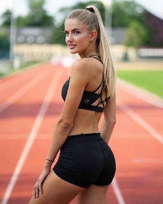 sexy athlete alica schmidt in bikini