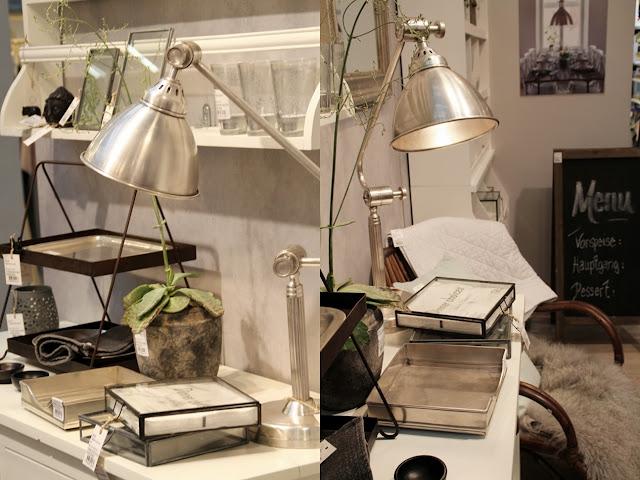 Schreibtischaccessoires und silberne Lampe von Ib Laursen