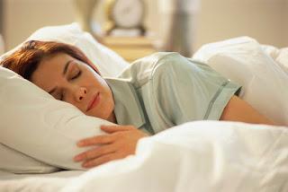 Van néhány praktika, ami segít, hogy nehézségek nélkül, rövid idő alatt elaludjunk.