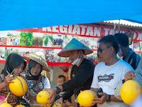 Serap Aspirasi Masyarakat, Wahrul Kunjungi Petani Melon dan Nelayan
