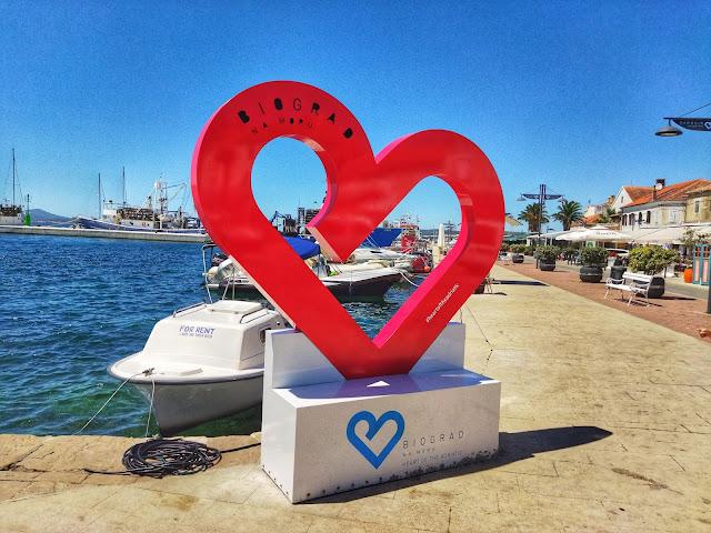 Biograd na Moru to miasto w Chorwacji , położone na wybrzeżu Adriatyku
