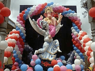 ganesh decoration with balloons