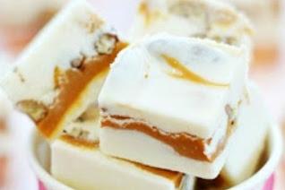 Pralines & Cream Fudge #christmas #fudge