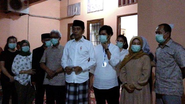 Ibunda Jokowi Tutup Usia, Masyarakat Diminta Tidak Melayat, Cukup Doakan dari Rumah Masing-masing..!!