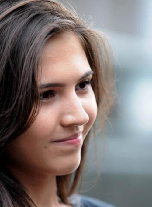 Biodata Olivia Lubis