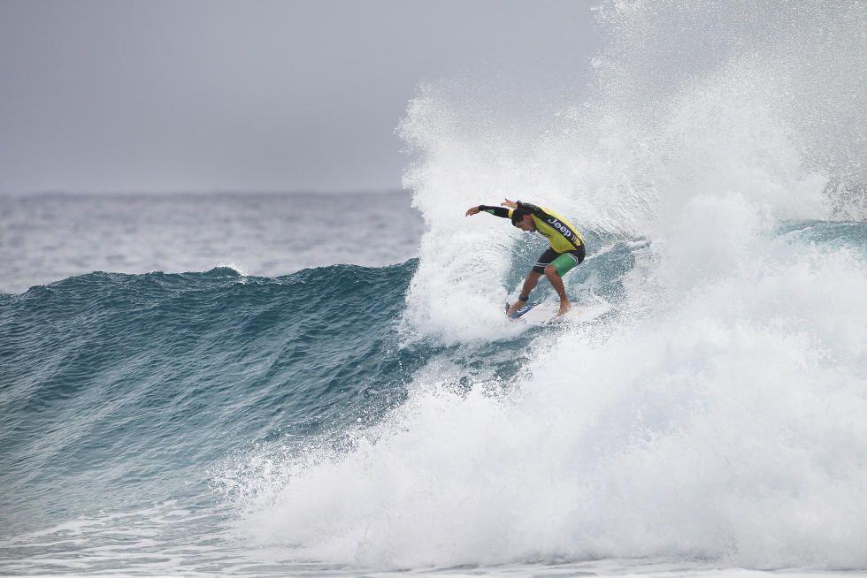 27 Adriano de Souza 2016 Quiksilver Pro Gold Coast foto WSL Kirstin Scholtz
