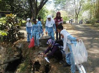 World Cleanup Day Bersama TBM Bintang Brilliant
