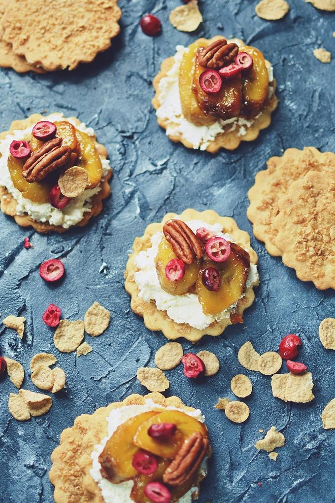 Śniadaniowe wytrawne krakersy z płatków żytnich