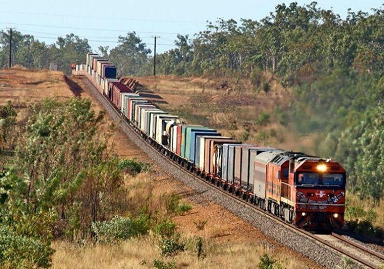Vagonlu tren giderek hızlanmaya başlamıştı, fren sistemi devre dışı kaldığı için kontrol edilemiyordu.