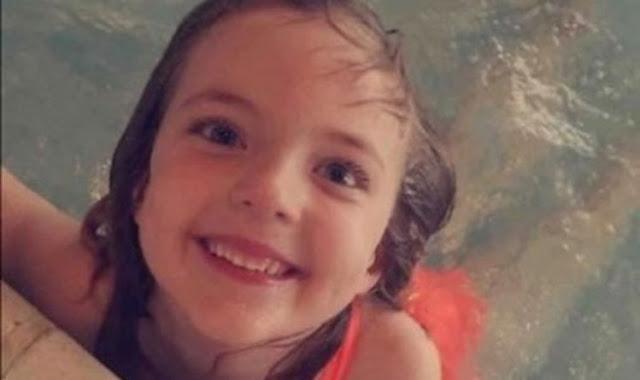 Отец и мачеха связывали 8-летнюю девочку и оставляли в спальном мешке в наказание. Затем ее нашли мертвой