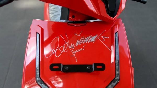 Pemenang Lelang Motor Listrik Jokowi Rp 2,55 Miliar Anak Hary Tanoe!