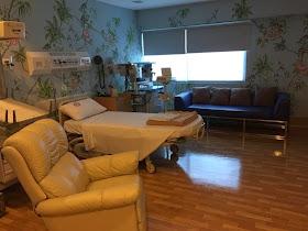 Carmelalala...: St. Lukes Hospital BGC - Maternity Rooms 101