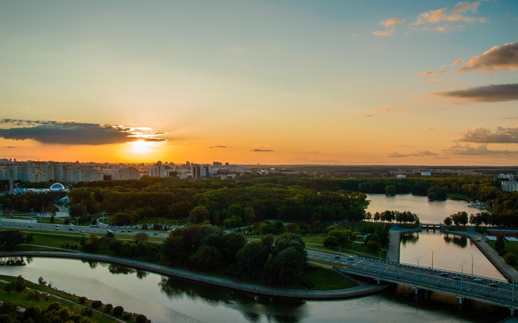 Закат над Минском с высоты фото
