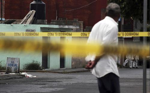 Tres ataques de hombres armados , dejan como saldo seis personas muertas en Guanajuato
