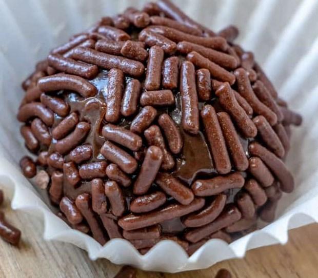 BRIGADEIRO #chocolate #desserts