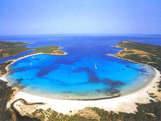 Praia de Rondinara na França