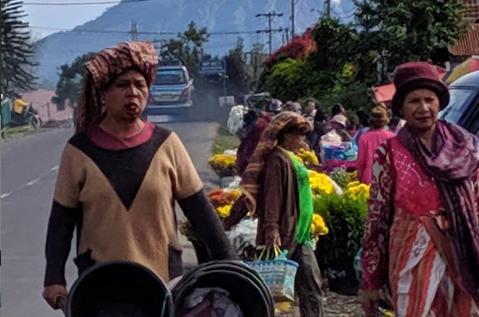 10 Upacara Tradisional Suku Karo