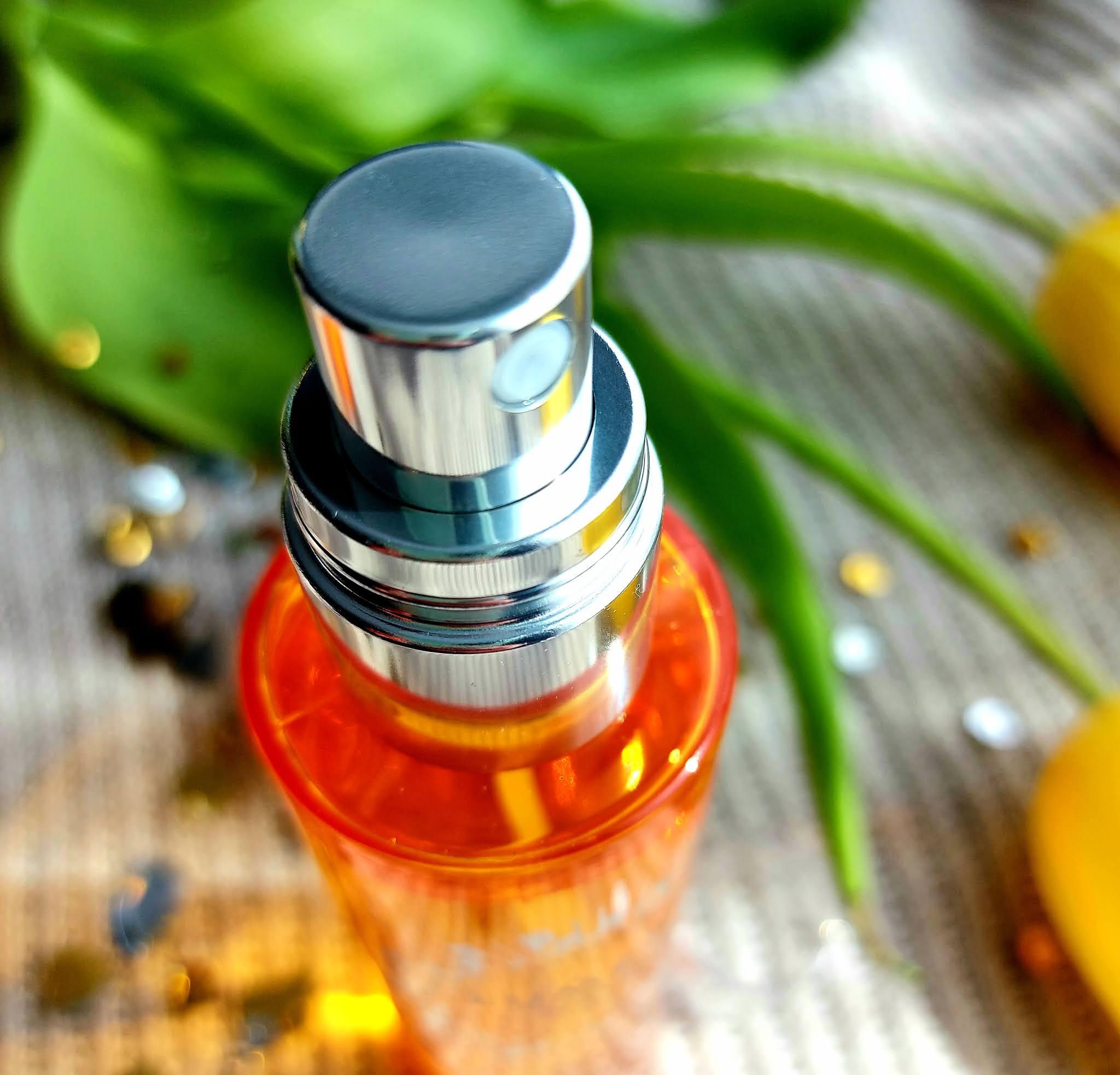 Lumene Valo Glow Refresh Hydrating Mist - rozświetlająca mgiełka z witaminą C Aneta Lason Beauty Talks