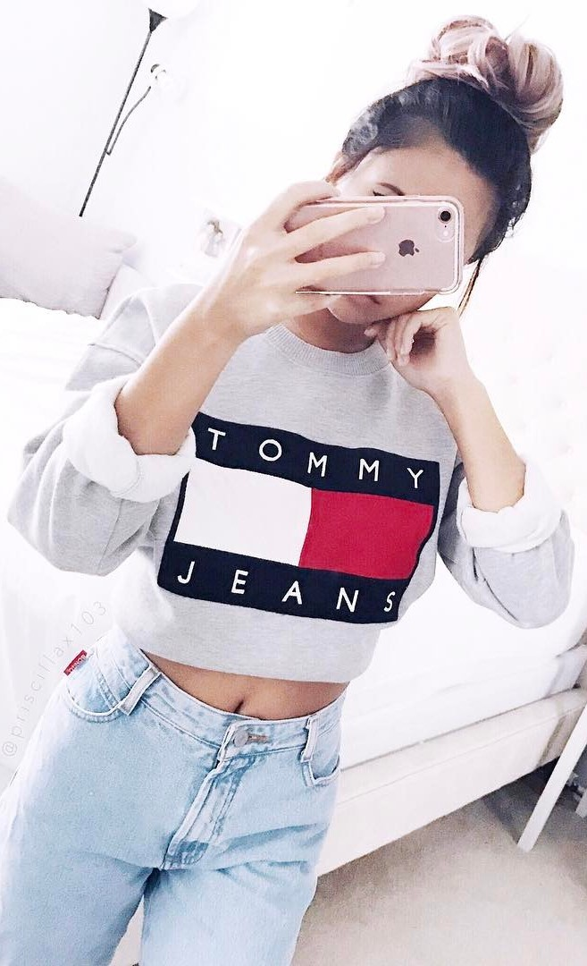 street style perfection: top + jeans