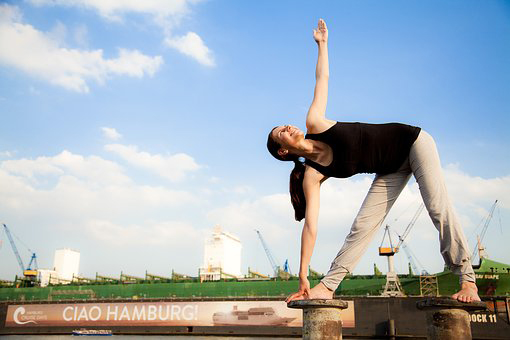Trikonasana for white patches