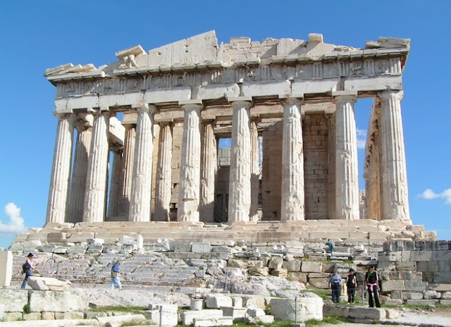 Acropolis of Athens closed to visitors due to high temperatures