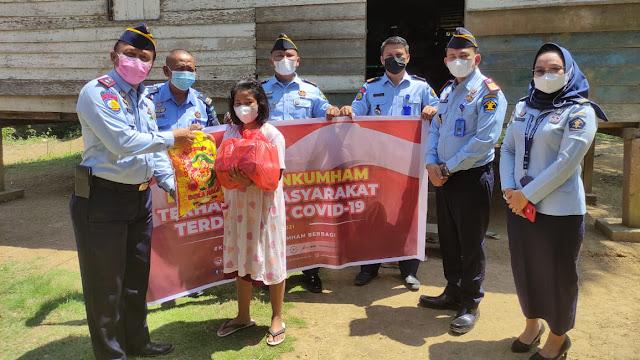 Penyaluran Bansos menjadi bukti kehadiran Kementerian Hukum dan HAM di tengah warga yang terdampak pandemi