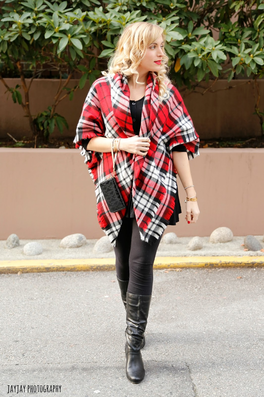 blanket-scarf-worn-with-a-dress