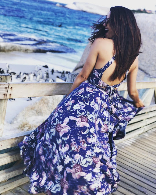 HOTBLike Surveen Chawla Hot