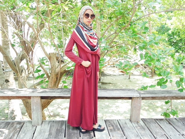 red hijab dress with sunnies ootd