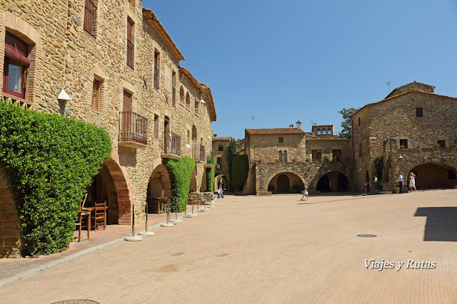 Plaza Jaime I, Monells