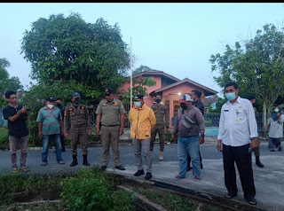 Wabup didampingi Camat Singkep kunjungi lokasi yang sering Terkena banjir di Dabok Singkep