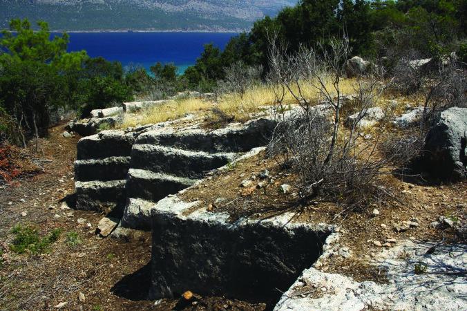 Dana Adası'nda bir taş ocağı örneği