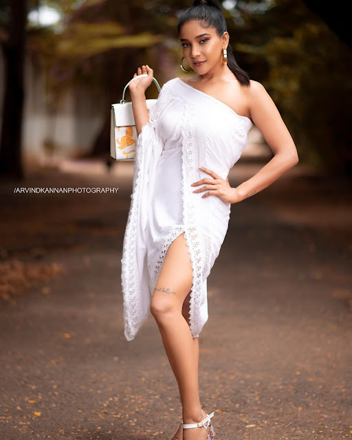 Actress Sakshi Agarwal New Hot Photos in White Dress Actress Trend