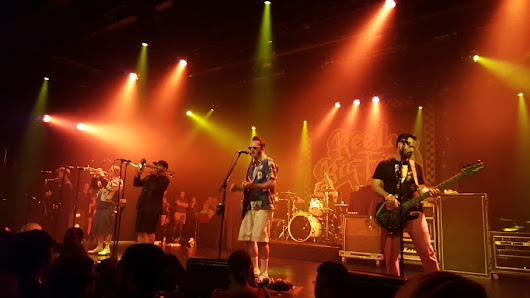 Less Than Jake, Reel Big Fish, Ballyhoo! at Best Buy Theater ~ 2scene4thescene